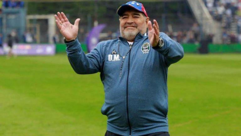 Diego Armando Maradona tras un duelo de la Liga de Argentina
