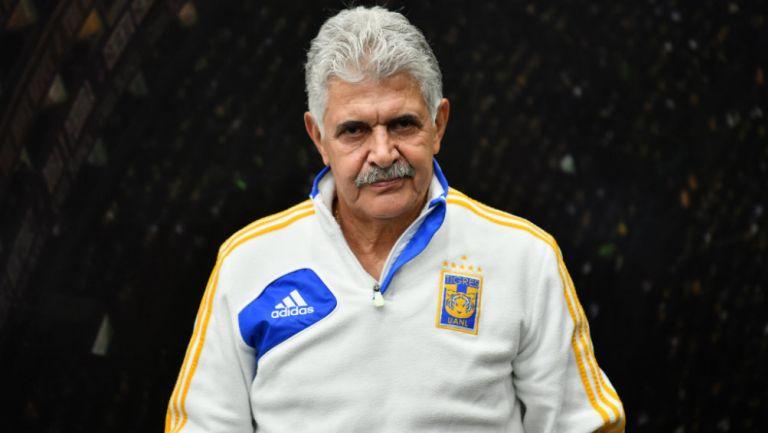 Tuca Ferretti en partido con Tigres
