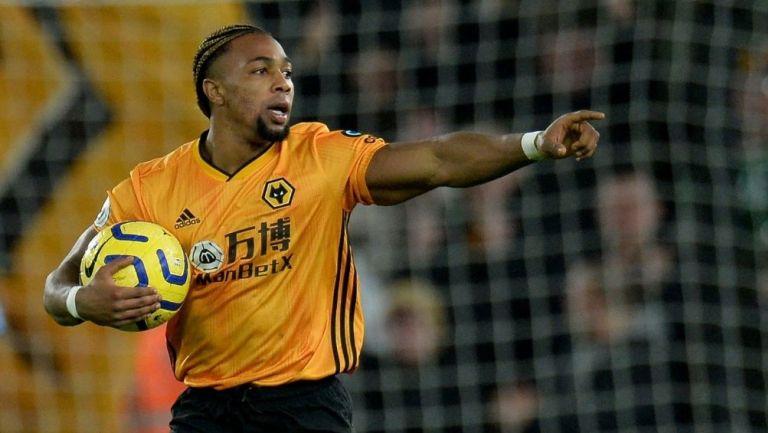 Adama Traoré en partido con el Wolves