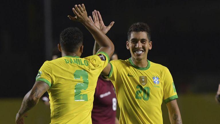 El festejo del gol de Roberto Firmino