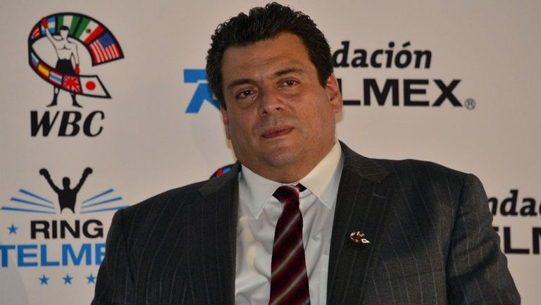 Mauricio Sulaimán en presentación