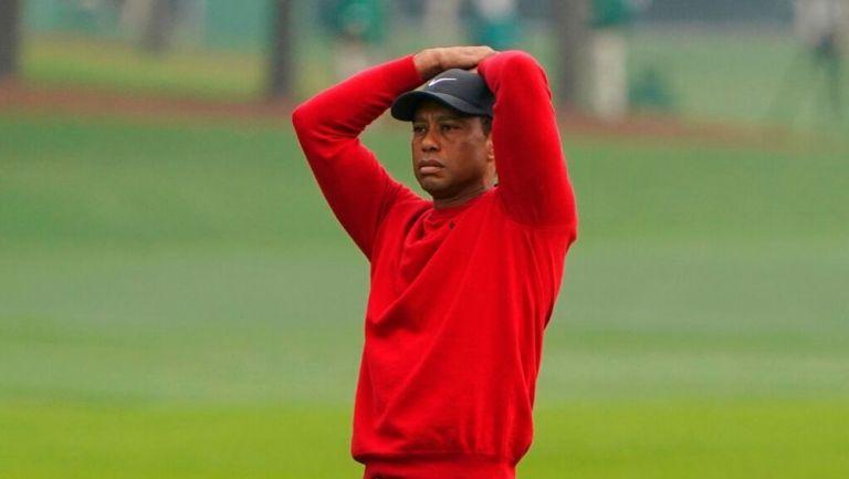 Tiger Woods durante el hoyo 12 en el Masters