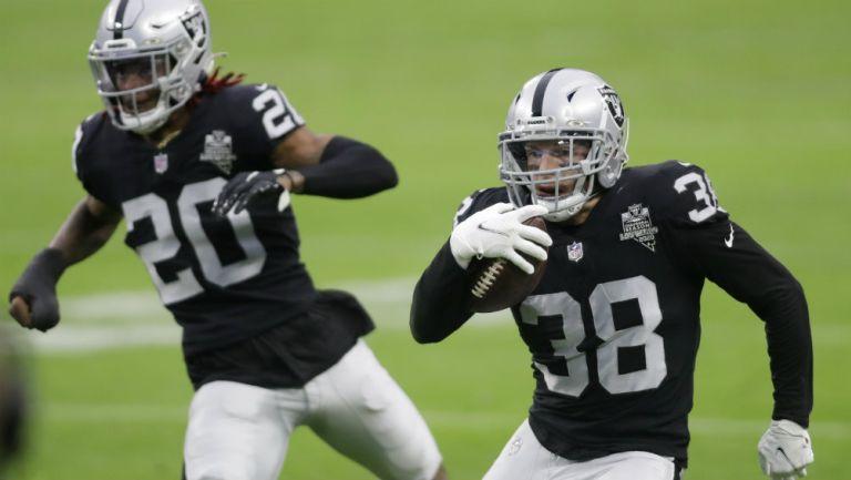 Raiders: Defensiva de los Malosos les da el triunfo aprovechando errores de Broncos
