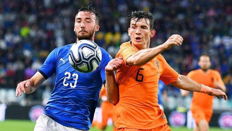 Italia y Holanda en un partido