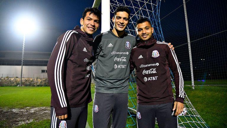 Lozano, Jiménez y Corona en un entrenamiento del Tri