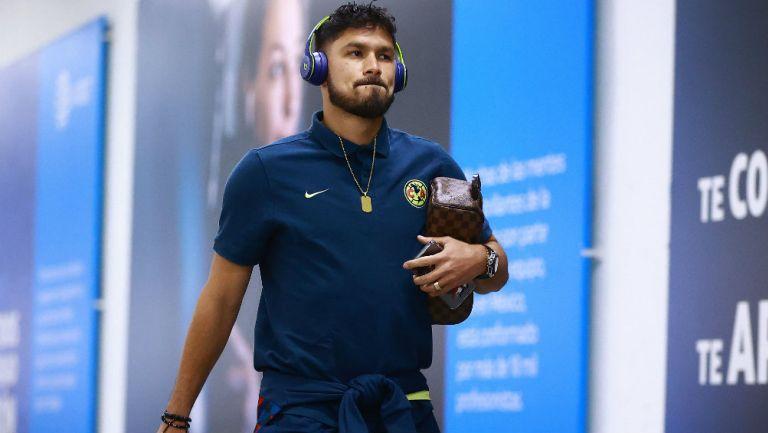 Bruno Valdez llegando al Estadio Azteca