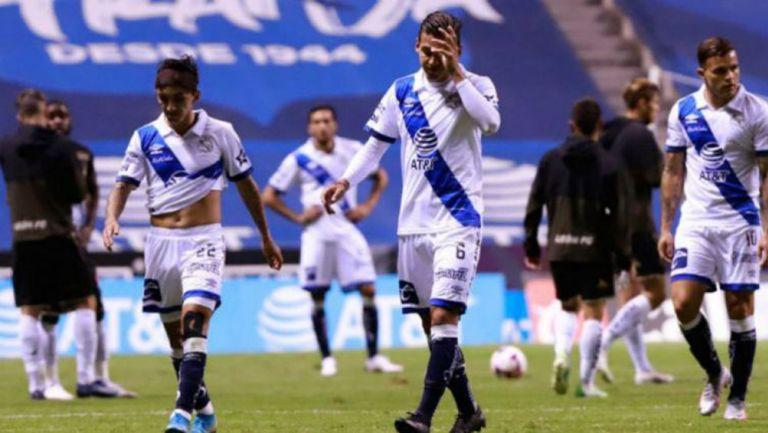 Jugadores de Puebla se lamentan tras un juego