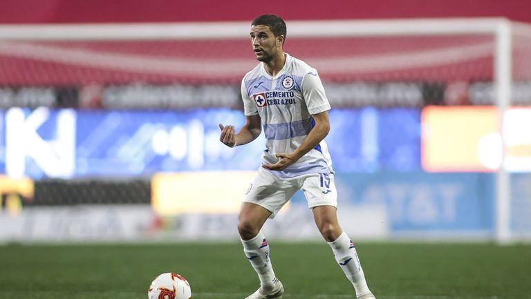 Ignacio Rivero en partido con Cruz Azul