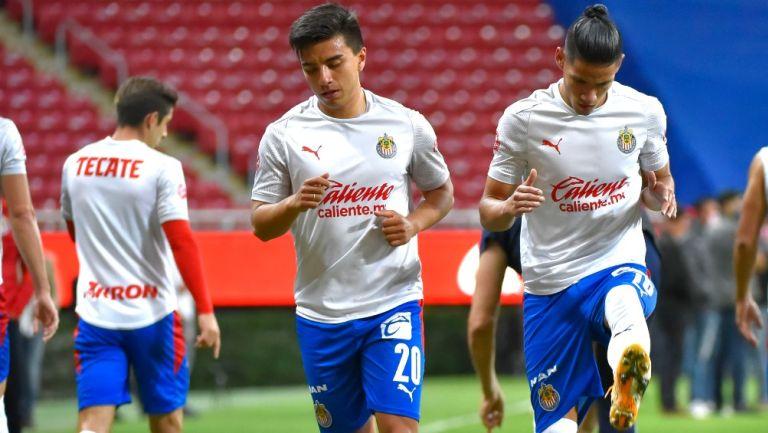 Jugadores de Chivas entrenan previo al juego contra Necaxa