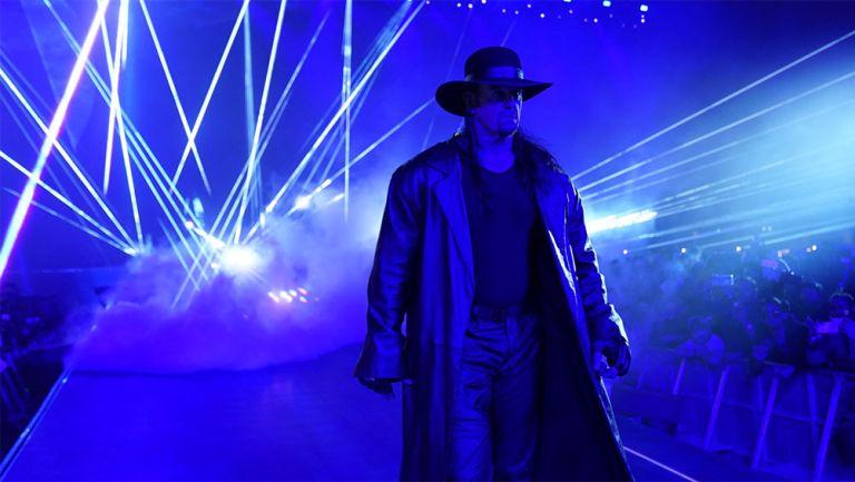 The Undertaker en una de sus triunfales entradas