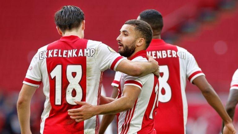 Ajax goleó al Heracles
