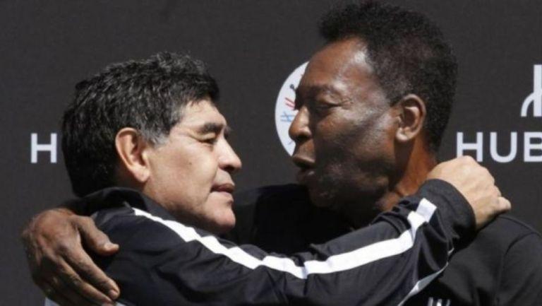Diego Armando Maradona y Pelé juntos en un evento