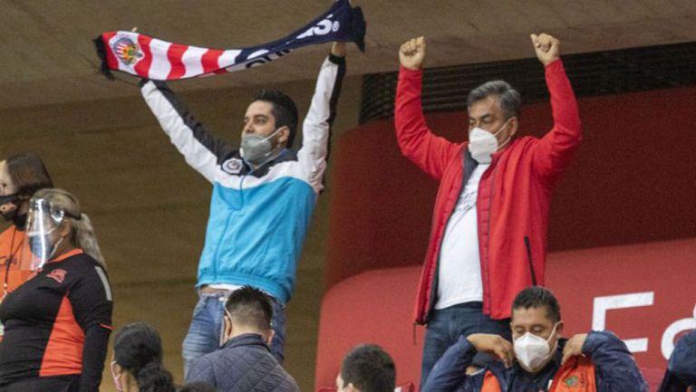 Afición del Rebaño festeja el gol de su equipo