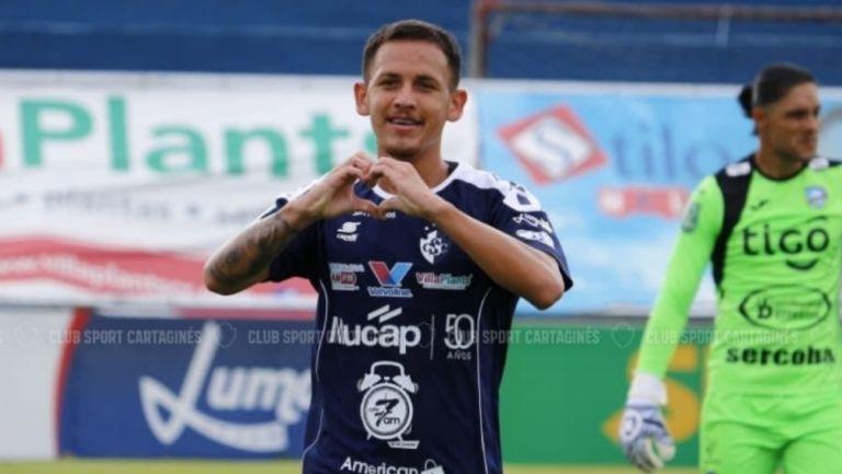 Cristopher Núñez durante un partido con Club Sport Cartaginés