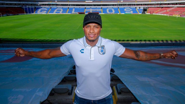 Antonio Valencia, nuevo jugador de Querétaro
