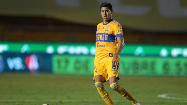 Hugo Ayala durante un partido con Tigres