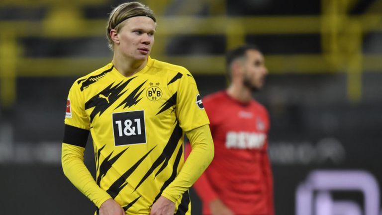 Erling Haaland durante un duelo con Borussia Dortmund