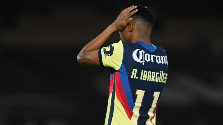 Andrés Ibargüen se lamenta tras una jugada