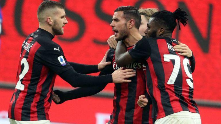 Theo Hernández en festejo con Milan ante Parma