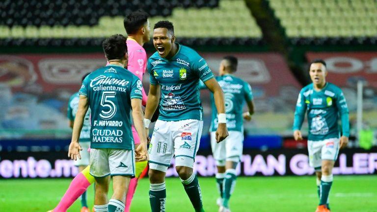 Yairo Moreno celebrando el segundo gol ante Pumas
