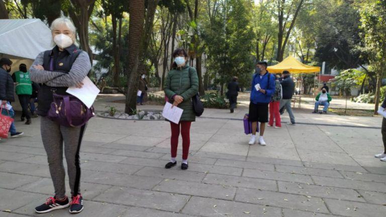 Ciudadanos esperando para realizarse prueba Covid-19