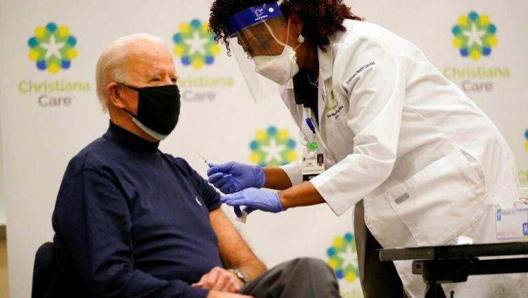 Joe Biden recibió primera dosis de vacuna