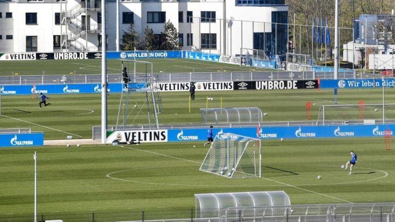 Schalke 04 de Alemania se convirtió en el primer equipo en volver a los entrenamientos