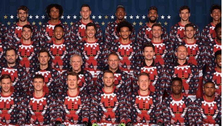 El Bayern Munich con su suéter navideño