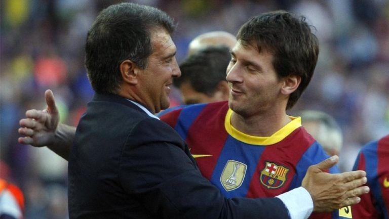 Joan Laporta junto a Lionel Messi