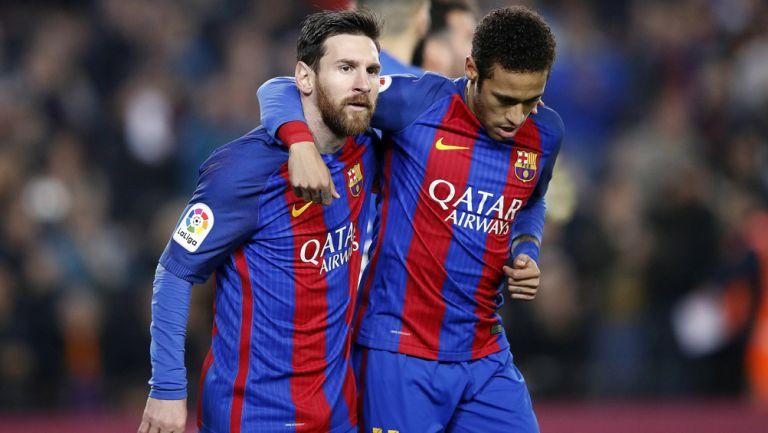 Messi y Neymar durante un duelo con el Barcelona