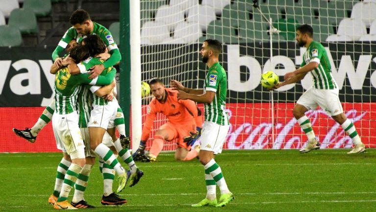 Lainez y Guardado: Betis venció, con asistencia de Diego, por la mínima diferencia al Cádiz