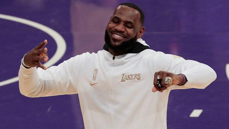 Lakers: Recibieron sus anillos de Campeón