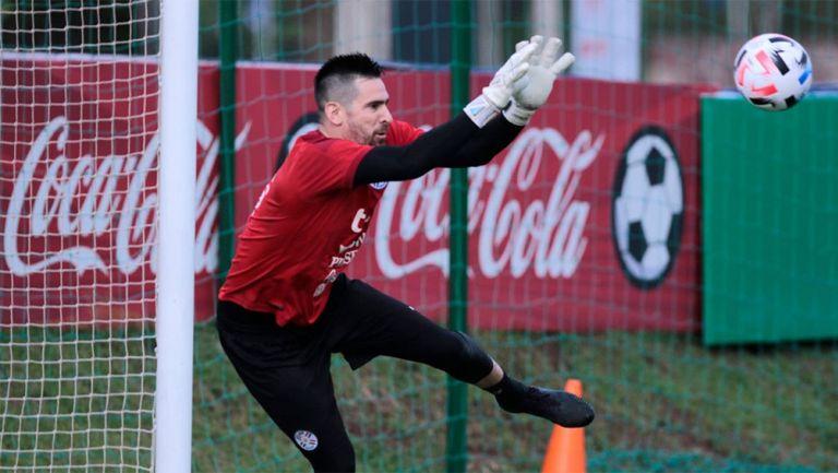 Antony Silva en un entrenamiento con Paraguay