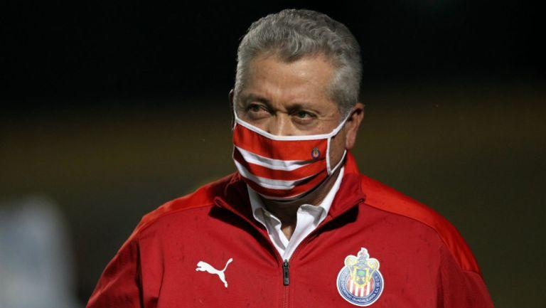 Vucetich dirigiendo a Chivas
