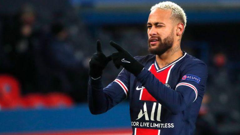 Neymar Jr. festeja un gol con el PSG