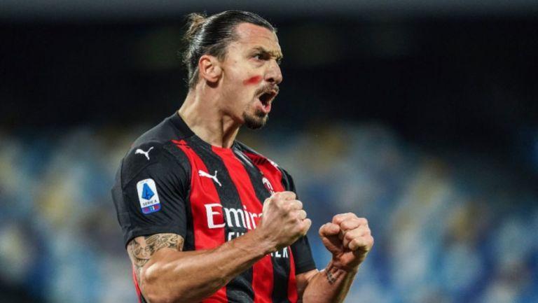 Zlatan Ibrahimovic en un partido con el Milan
