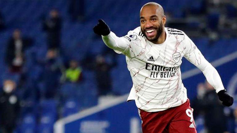 Alexander Lacazette celebra un gol con el Arsenal