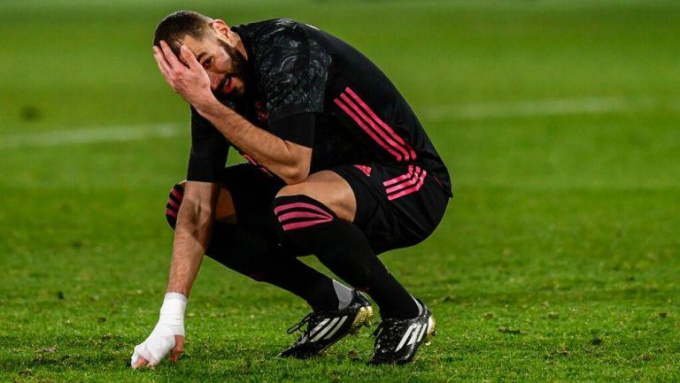 Benzema se lamenta en empate vs el Elche