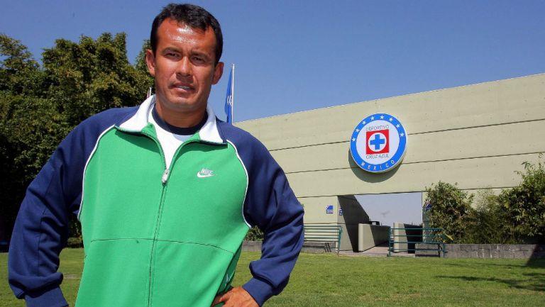 Juan Reynoso previo a un entrenamiento