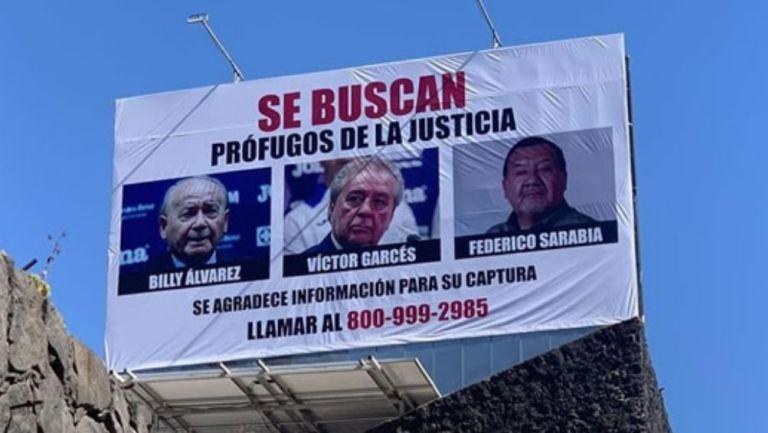 Los anuncios donde buscan la captura de Álvarez