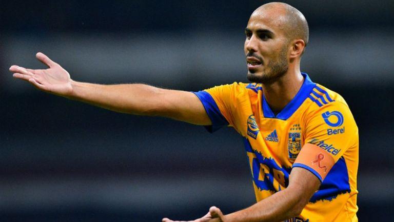 Guido Pizarro en acción con Tigres