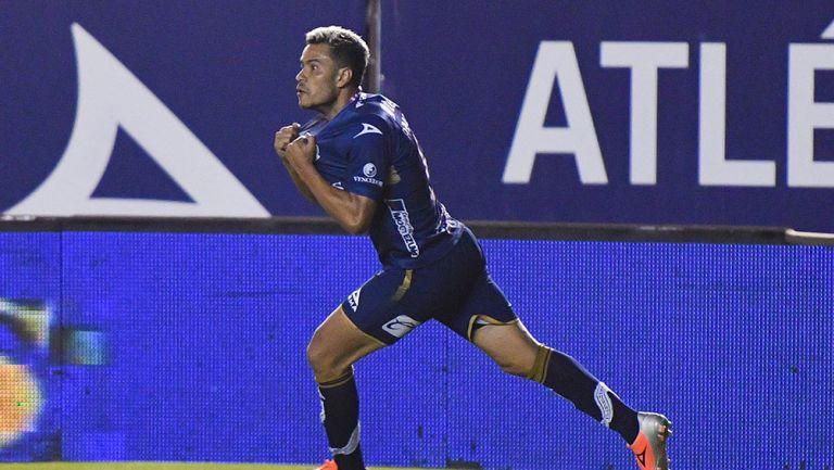 Pablo Barrera en partido con Atlético de San Luis