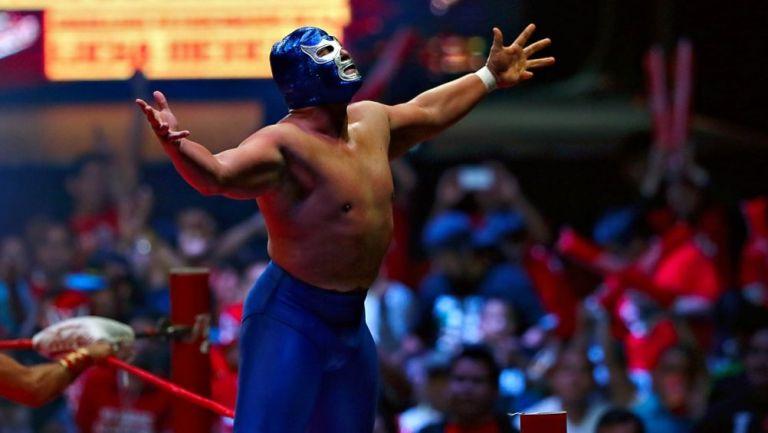 Blue Demon Jr. en una función de lucha
