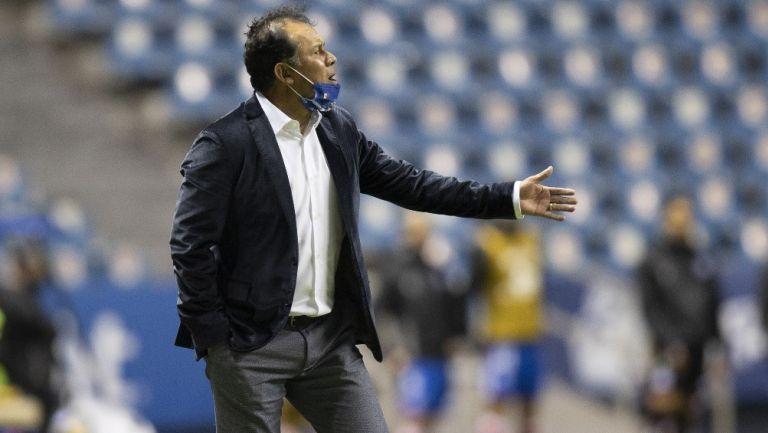 Juan Reynoso durante un partido con Puebla