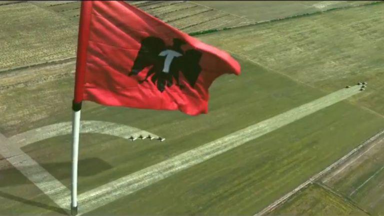 Parte del anuncio de Tecate en su alinaza con Liga MX