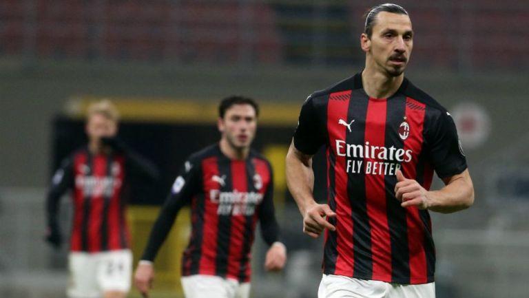Zlatan Ibrahimovic en su regreso tras lesionarse