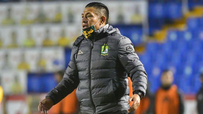 Nacho Ambriz en el partido contra Tigres