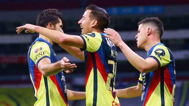 Henry Martín, Lainez y Sánchez festejan gol de las Águilas
