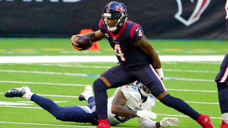 Deshaun Watson durante un partido con Texans