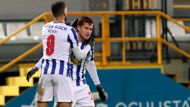 Acción en el Nacional vs Porto